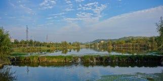 Stads- våtmark parkerar Arkivfoto