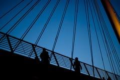 Stadsbro på twiglight Fotografering för Bildbyråer