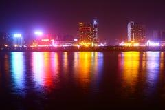 Stadsbrohorisont på natten Fotografering för Bildbyråer