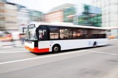 Stadsbuss Fotografering för Bildbyråer