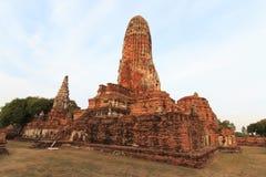 Stadsbyggnad återstår, Buddhastatyn av Phra som Ram Temple (Wat Phra Ram) fördärvar i landskap av Ayutthaya, Thailand Arkivbilder