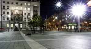 Stadscentrum bij nacht stock fotografie