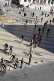 Stadscykelhändelse i Lyon, Frankrike Arkivfoto