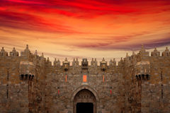 stadsdamascus port gammala jerusalem Royaltyfri Foto