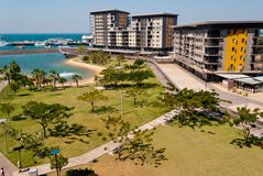 stadsdarwin strand royaltyfria bilder