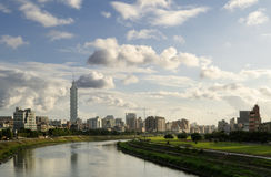 stadsflodlandskap Royaltyfri Bild