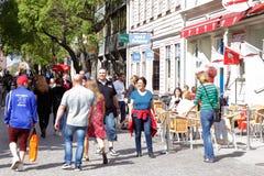 Stadsfolk Arkivfoto