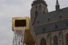 Stadsfyrkant med springbrunnen Royaltyfria Foton