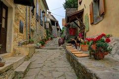 Stadsgata av mummel, Kroatien Royaltyfria Bilder