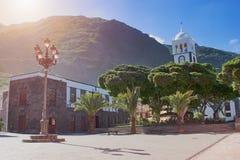 Stadsgata - härlig typisk spansk kolonial arkitektur, Garachico stad, Tenerife, kanariefågelöar arkivfoton