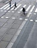 stadsgata med en crossing Royaltyfria Bilder