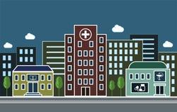 Stadsgata med ett sjukhus, ett apotek och en skola på bakgrunden av bostads- byggnader Fotografering för Bildbyråer