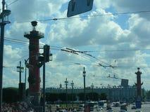 Stadsgata med transport och bilar Royaltyfria Foton