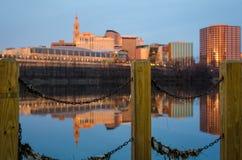 Stadsgrenzen bij zonsopgang Royalty-vrije Stock Afbeeldingen