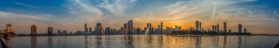 Stadshorisont Sharja UAE Arkivfoton