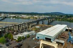 Stadshorisontsikt över Portland Oregon Amerikas förenta stater Royaltyfri Bild