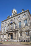 Stadshus i den historiska byn Enkhuizen Royaltyfri Fotografi