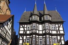 Stadshus i gammal stad i Alsfeld Arkivbild