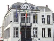 Stadshus - Lokeren - Belgien royaltyfria foton