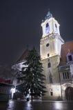 Stadshus på natten, Bratislava, Slovakien Fotografering för Bildbyråer