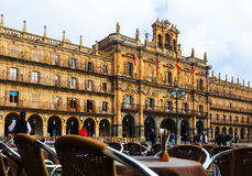 Stadshus på Plazaborgmästaren i Salamanca Royaltyfri Bild