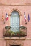 Stadshus Roussillon by i Provence; Luberon Arkivbild