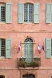Stadshus Roussillon by i Provence; Luberon Arkivbilder