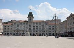 Stadshuset, historisk byggnad på pizzadellUnita D Itali Arkivfoto
