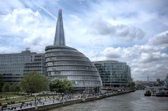 Stadshuset och skärvan i London Royaltyfri Fotografi