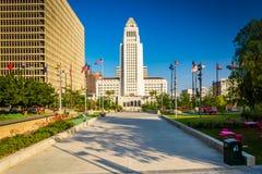 Stadshuset som ses på tusen dollar, parkerar i i stadens centrum Los Angeles Royaltyfri Bild