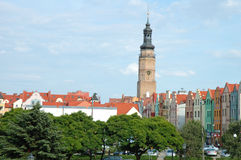 Stadshustorn och andra byggnader i Glogow, Polen Royaltyfri Fotografi