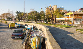 Stadsinvallning nära havspir i Pomorie, Bulgarien Arkivbild