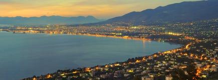 stadskalamata panorama arkivfoton