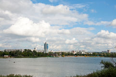 stadskharkov flod Royaltyfri Fotografi