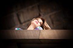 Stadskvinnastående Royaltyfria Foton