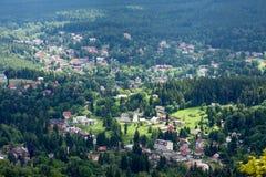 Stadslandschap Szklarska Poreba - Polen royalty-vrije stock foto's