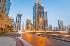 Stadslandskap av den Dubai marina Royaltyfria Bilder