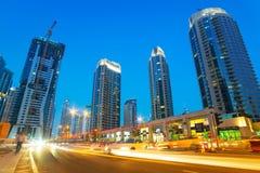Stadslandskap av den Dubai marina Royaltyfri Fotografi