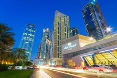Stadslandskap av den Dubai marina Arkivbild