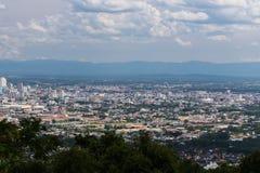 Stadslandskap från offentliga Hat Yai parkerar sikt Royaltyfria Bilder