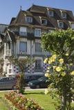 Stadslandskap i Normandie Arkivfoto