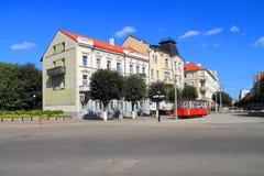 Stadslandskap på den Pobedy gatan i solig sommardag Fotografering för Bildbyråer