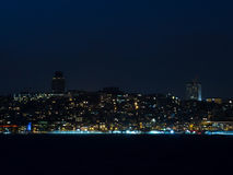 Stadslichten van Istanboel bij Nacht - Europese Kant Royalty-vrije Stock Foto