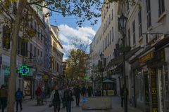 Stadsliv på Main Street royaltyfri foto
