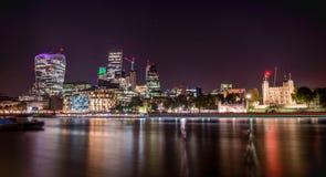 stadslondon natt Arkivfoton