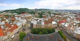 stadslviv panorama- ukraine sikt Arkivbilder