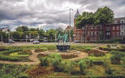 Stadsmening van Deense stad Helsingor en fontein met dansende meisjes Stock Foto's