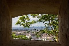 Stadsmening via venster op Grossfurst Konstantin Fortress, Koblenz, Duitsland Stock Fotografie