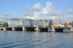 Stadsmeningen van heilige-Petersburg Stock Afbeelding