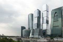 stadsmoscow skyskrapor Fotografering för Bildbyråer